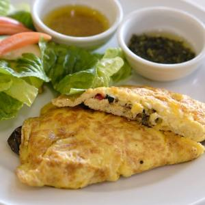 Grilled vegetables omelet